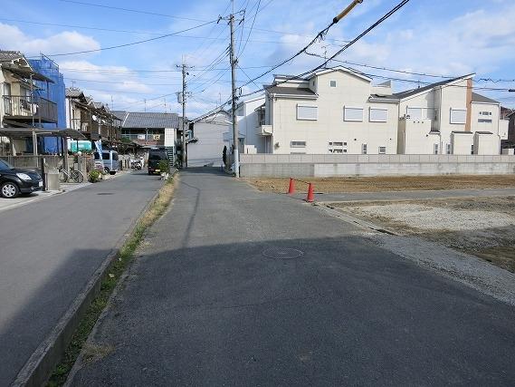 中鴻池 前面道路