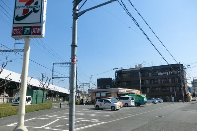 セブンイレブン東大阪俊徳道